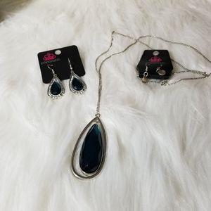 Nwt Silver Terqouise Stone necklace set